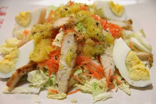 Низкокалорийный витаминный салат из пекинской капусты