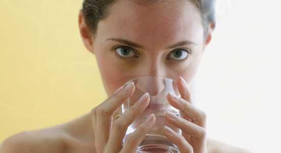 сколько пить воды на диете